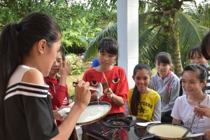 Les P'tites Pousses vietnamiennes ont fait des crêpes (2)