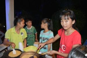 Les P'tites Pousses vietnamiennes ont fait des crêpes (4)