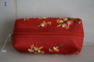 01. Trousse rouge (5€)
