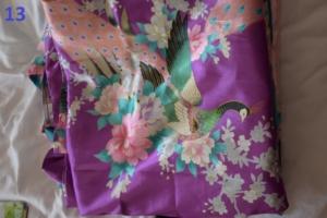 13. Peignoir violet S (21€)