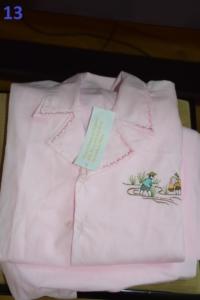 13. Pyjama rose 10 ans (10€)