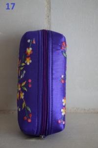 17. Trousse violette (5€)