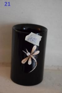 21. Pot à crayons libellule noir (8€)