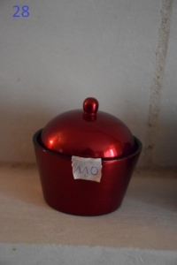 28. Petite boite simple rouge (7€)