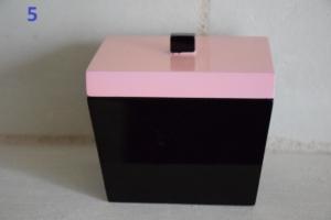 05. Petite boite laquée couvercle rose (13€)