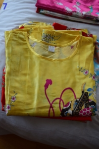 07. Robe d'hôtesse jaune 2 (18€)