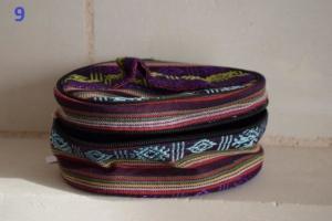 09. Trousse ronde violette noire (6€)