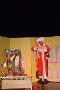 Théâtre « TRAC n'Art » Le Père Noël est une ordure (13)